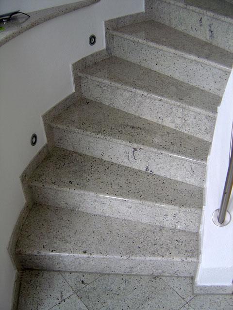 Treppen :: Steinmetzbetrieb Conrad & Klammes, Zweibrücken